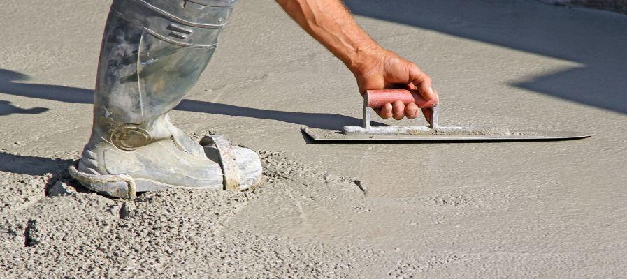 Faire une dalle en béton pour un abri de jardin