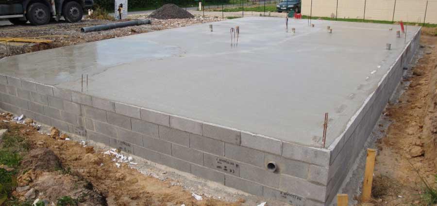 couler la dalle de beton pour la maison