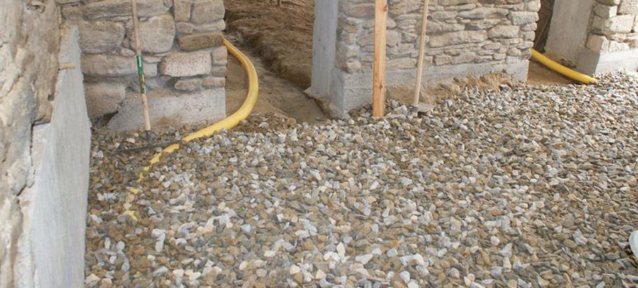 Comment faire une dalle de béton sur hérisson?