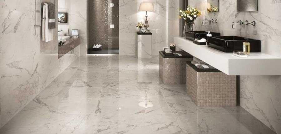 marbre en salle de bains