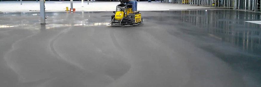 pose du revêtement de sol industriel