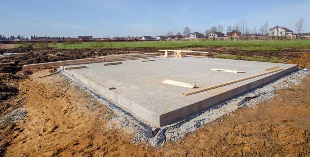 Comment construire un radier de fondation? Étapes et Prix.