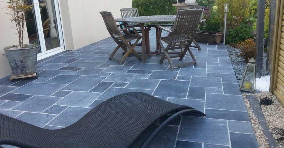 revêtement de sol pour l'extérieur: la pierre bleue