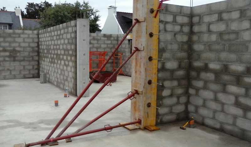 couler poteau beton pour une maison