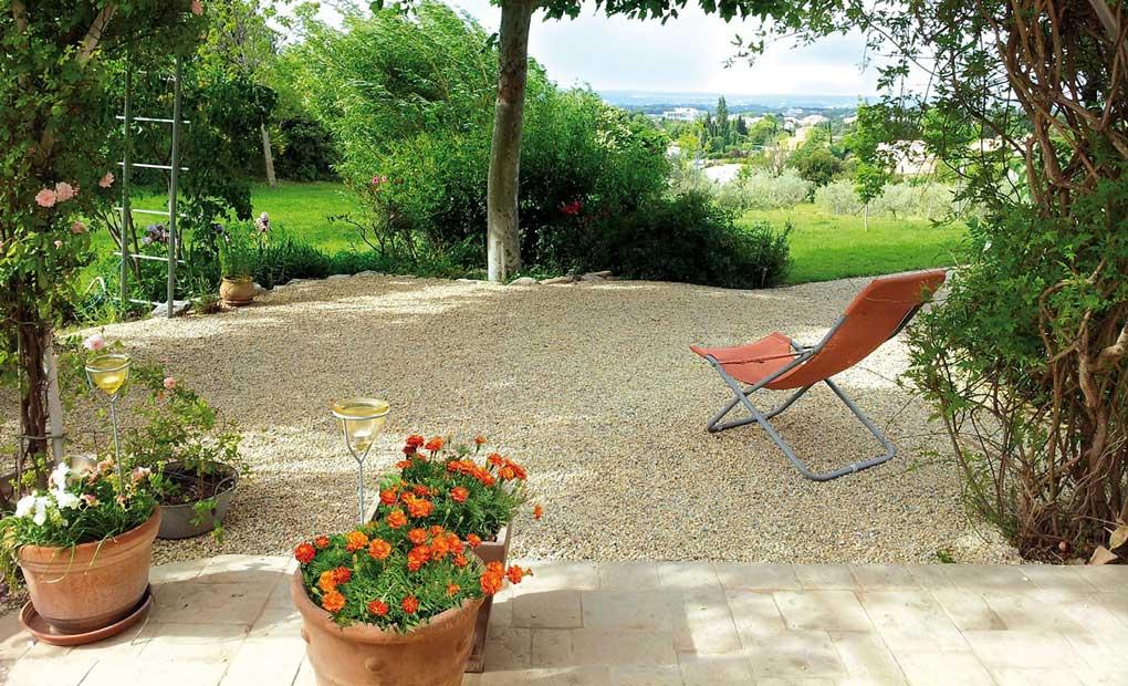 Comment faire une terrasse en gravier? Avantages et Prix.